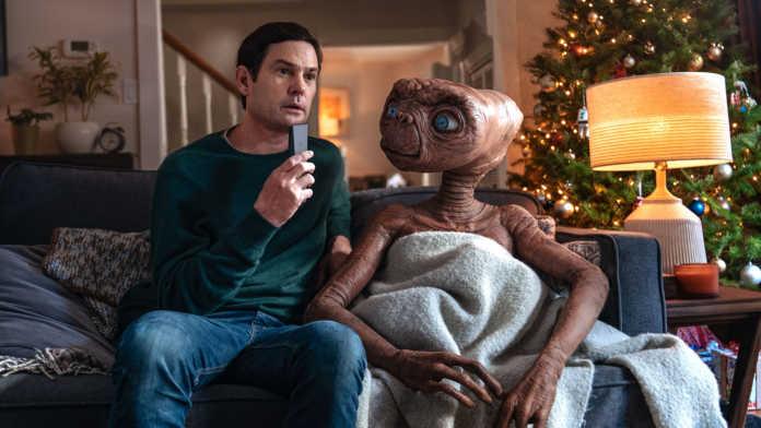 ET retorna para visitar Elliott em uma sequência patrocinada pelo Xfinity