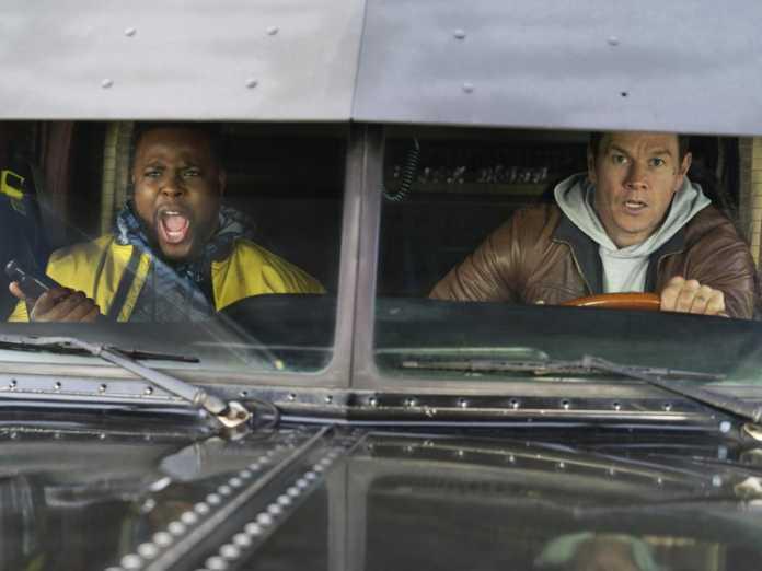 Spenser Confidential: o novo filme de Mark Wahlberg na Netflix descrito como uma 'bagunça de pintar por números' nas primeiras críticas