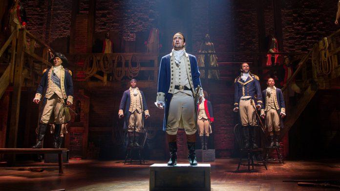 'Hamilton': Leslie Odom Jr. não se arrepende de ter deixado o programa