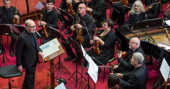 Morre Ennio Morricone, compositor vencedor de um Oscar, morre aos 91 anos