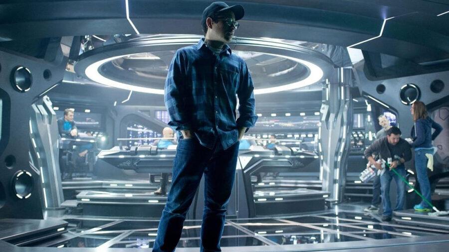 JJ Abrams no set de Star Trek - Além da Escuridão.