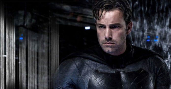Zack Snyder compartilha nova foto do Batman de Ben Affleck com o Batmóvel