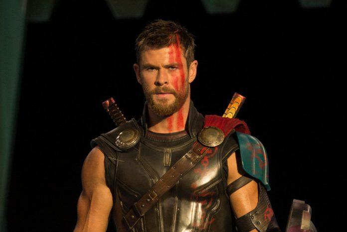 Chris Hemsworth não vai largar o manto de Thor tão cedo
