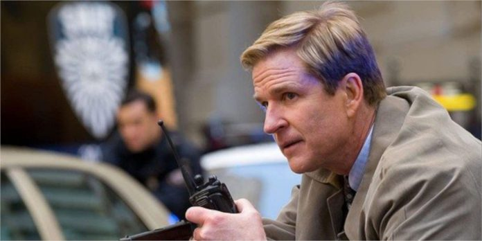 Christopher Nolan corta uma cena de morte 'nauseante' do cavaleiro das trevas sobe para evitar uma possível classificação menor de 17