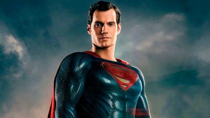 Henry Cavill não está gravando novas cenas de Liga da Justiça para o Snyder Cut