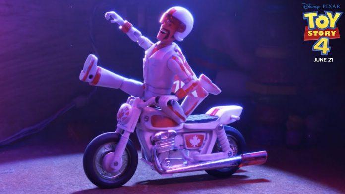 Disney é processada no filme de Toy Story 4 porcausa do personagem de Keanu Reeves