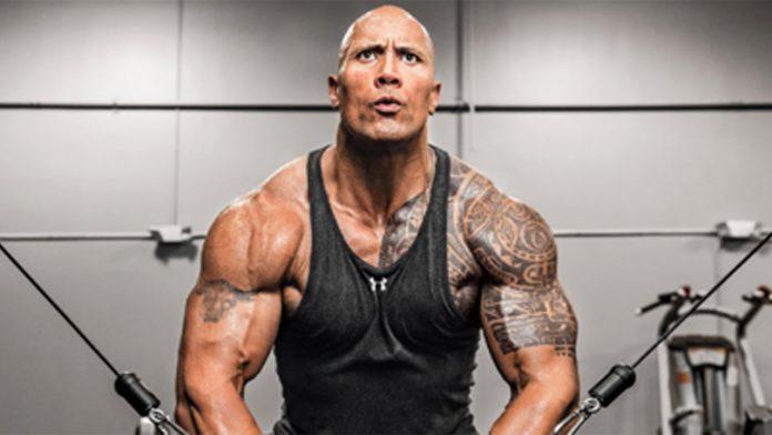 Dwayne 'The Rock' Johnson sofre lesão no rosto durante o treino