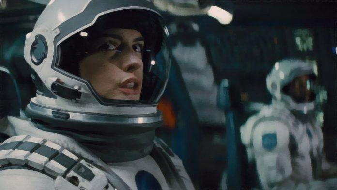 Por que Anne Hathaway ficou grata quando Matt Damon começou a reclamar da interestelar de Christopher Nolan