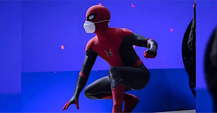 Primeira imagem do Homem-Aranha 3 revela fantasia de Tom Holland em longe de casa