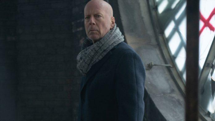 O FRACASSO de Bruce Willis que está desafiando todas as probabilidades e acabando com ele no Netflix
