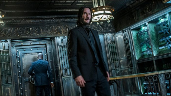 As filmagens de 'John Wick 4' provavelmente começarão este ano de acordo com Ian McShane