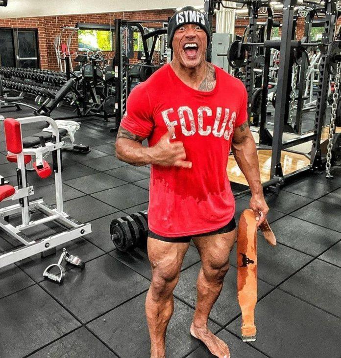 Foto de treino de The Rock prova que Adam negro não pula o dia das pernas