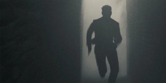 Missão: Impossível 7 primeira imagem mostra Tom Cruise correndo na fumaça