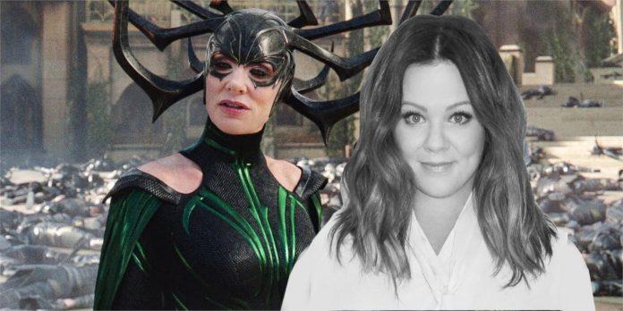 Fotos de Thor 4 revelam Melissa McCarthy como a falsa Hela