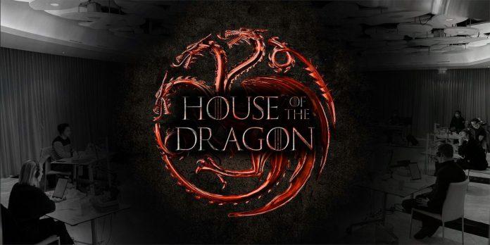 'House of the Dragon' inicia produção; HBO lança fotos do elenco na mesa de leitura