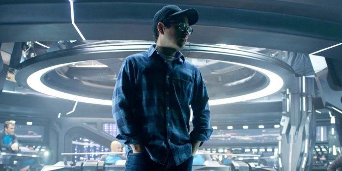 Trailer de OVNI revela o documentário sobre objetos voadores de JJ Abrams